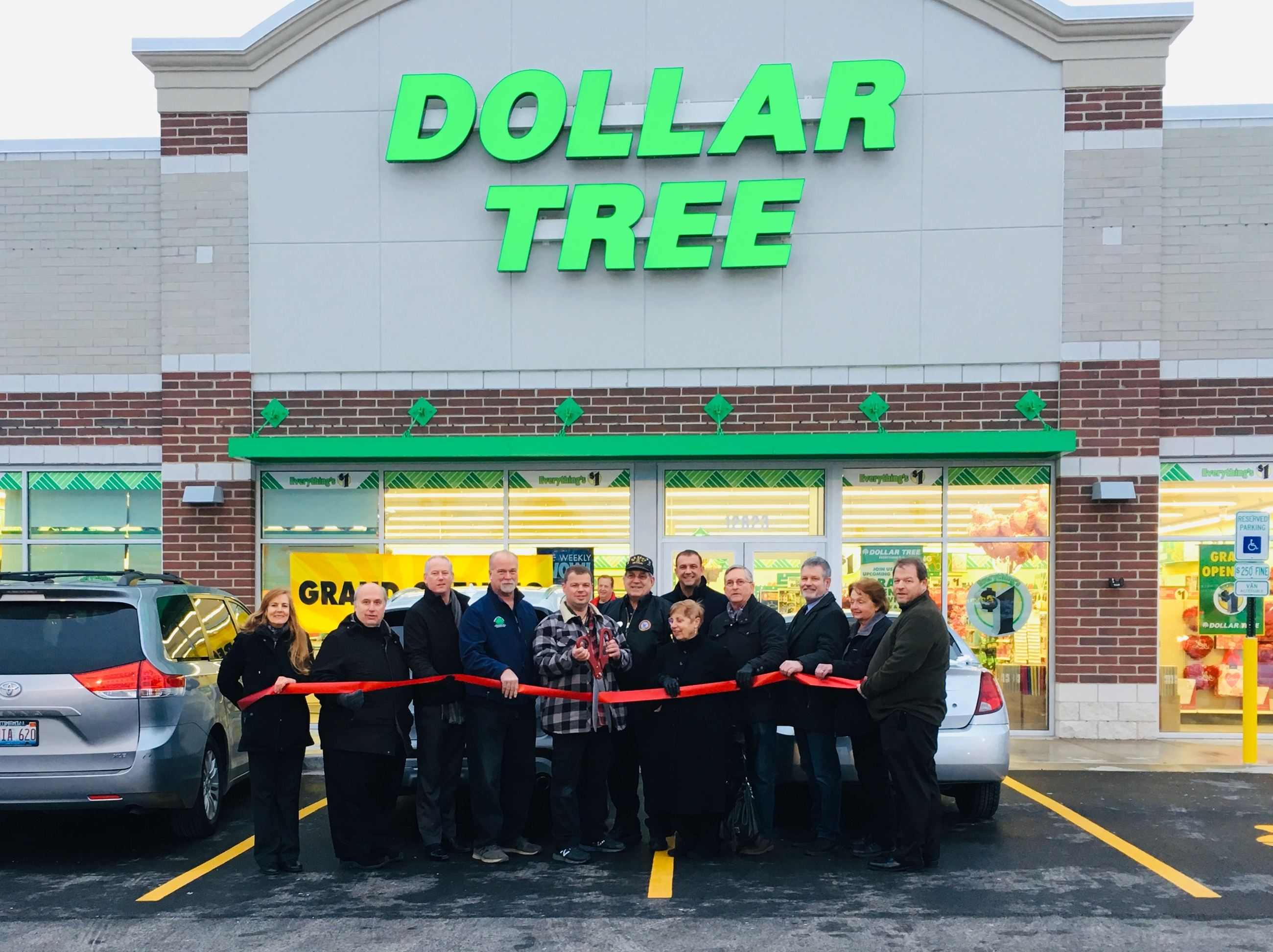 19-0116 Dollar Tree Ribbon Cutting