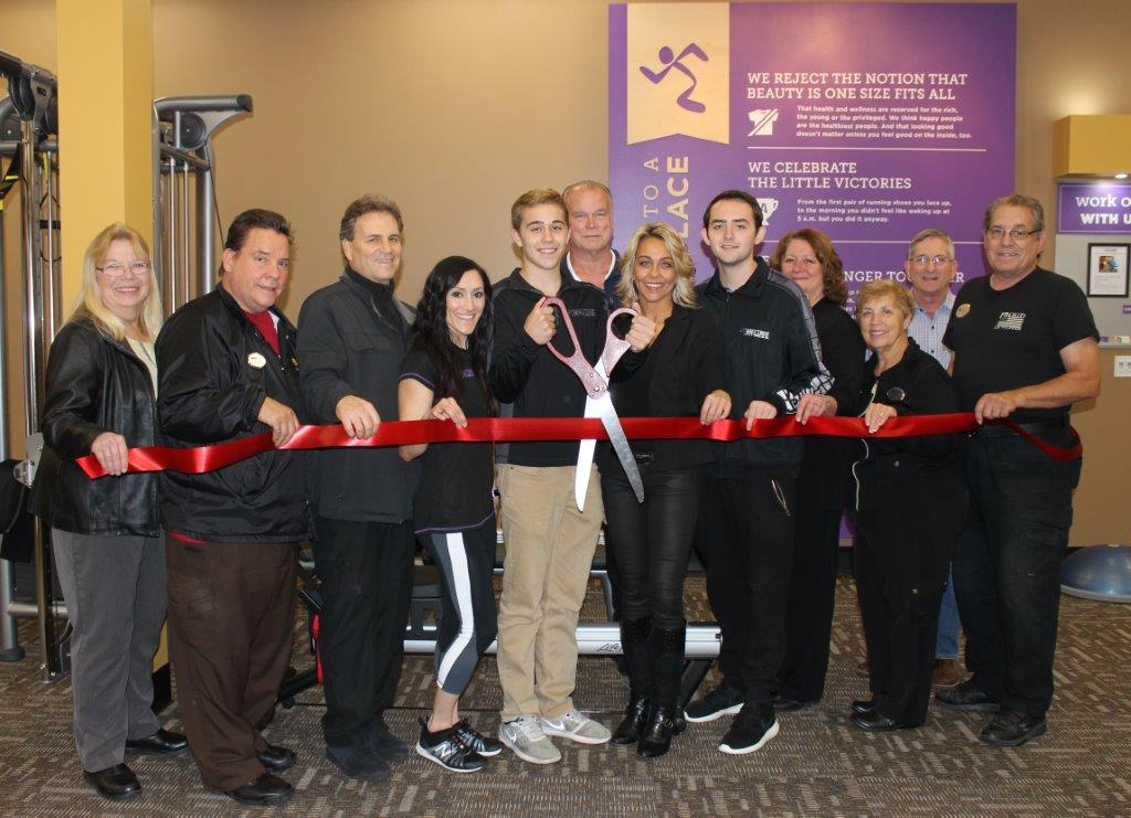 10-27-16 Anytime Fitness ribbon cutting.JPG
